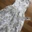 ชุดเดรสเกาหลี พร้อมส่งเดรสผ้าทูลล์ปักลายดอกไม้สีขาวและทองสุดหรู thumbnail 7