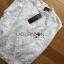 เสื้อผ้าเกาหลี พร้อมส่ง เสื้อลูกไม้สีขาวทรงคอสูง thumbnail 18