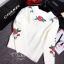 เสื้อผ้าเกาหลี พร้อมส่งเสื้อไหมพรมทอ ปักลายดอกไม้แน่นๆ thumbnail 7