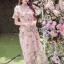 ชุดเดรสแฟชั่น พร้อมส่งเดรสผ้าทูลเลปักดอกไม้กุหลาบสีชมพูทับลูกไม้สีชมพู thumbnail 4