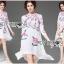 ชุดเดรสเกาหลีพร้อมส่ง เดรสสีขาวปักลายดอกกุหลาบอังกฤษสีชมพู thumbnail 7
