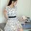 ชุดเดรสเกาหลี พร้อมส่งเดรสผ้าชีฟองสีขาวปักลายดอกไม้สีดำ thumbnail 6