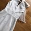 ชุดเดรสเกาหลีพร้อมส่ง เดรสแขนกุดผ้าเครปสีขาวตกแต่งผ้าพันคอทูลเล thumbnail 7