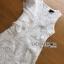 ชุดเดรสเกาหลี พร้อมส่งเดรสแขนกุดผ้าลูกไม้สีขาวตกแต่งระบายด้านข้าง thumbnail 7