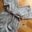 เสื้อผ้าเกาหลี พร้อมส่งจัมป์สูทขาสั้นผ้าลูกไม้ลายขนนกพร้อมริบบิ้นผ้าซาติน thumbnail 12