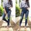 เสื้อผ้าเกาหลีพร้อมส่ง กางเกงยีนส์ทรงสกินนี่ สียีนส์เข้มแต่งเฟดสวย thumbnail 9