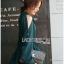 เสื้อผ้าเกาหลี พร้อมส่งเชิ้ตเดรสคัทเอาท์ไหล่ตกแต่งกระดุม thumbnail 8