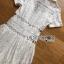 เชิ้ตเดรสผ้าลูกไม้สีขาวสไตล์เพรบพี้ ลุคนี้ดูเรียบร้อย thumbnail 15