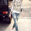 เสื้อผ้าเกาหลี พร้อมส่งกางเกงยีนส์เอวสูงเข้ารูป ขาด ๆ เซอร์ ๆ thumbnail 4