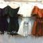 เสื้อผ้าแฟชั่นพร้อมส่ง เซต2ชิ้น เสื้อปาดไหล่แต่งกุ๊นขอบดำ จับคู่กับกางเกงเอวสูง thumbnail 6