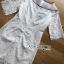 ชุดเดรสเกาหลี พร้อมส่งเดรสผ้าลูกไม้สีขาวตกแต่งริบบิ้นสีดำ thumbnail 12