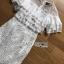 ชุดเดรสเกาหลีพร้อมส่ง เดรสชีฟองสีขาวทรงระบายเลเยอร์กระโปรงผ้าลูกไม้ thumbnail 11