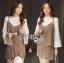 เสื้อผ้าเกาหลี พร้อมส่งเสื้อสายเดี่ยวกำมะหยี่ทับเสื้อแขนบานสีขาวและกระโปรงกำมะหยี่ thumbnail 3