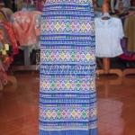 ผ้าถุงป้ายติดตะขอ ผ้าตีนจกพื้นสีน้ำเงิน เอว 34 นิ้ว