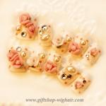 เล็บปลอมแฟชั่นประดับดอกไม้ติดเพชรสไตล์เกาหลีสีขาว (ํ๊YUNAIL) กล่องละ24ชิ้น (พร้อมกาวอย่างดี1หลอด)