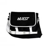 กระเป๋าสะพาย NU'EST สีดำ