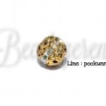 ลูกปัดทองล้อมเพชร 10มม. สีขาวเหลือบ (1ชิ้น)