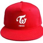 หมวก TWICE สีแดง