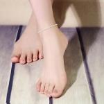 สร้อยข้อเท้าเกาหลีรูปเกลียวขาวดำประดับเพชร