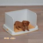 MU0049 ห้องน้ำสุนัข มีฉากกั้นสูง สำหรับสุนัขขนาดกลาง มีตาข่ายรอง ใช้ร่วมกับแผ่นรองซับ