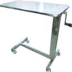 T001 โต๊ะคร่อมเตียง พื้นโฟเมก้าสีขาว ขอบยาง