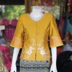 เสื้อผ้าไหมแพรทองแต่งลูกไม้ สีเหลืองทอง ไซส์ M