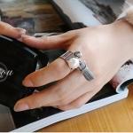 แหวนแฟชั่นเกาหลีไข่มุกห้อยภู่ (สีเทา)