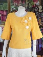 เสื้อผ้าฝ้ายสุโขทัยแต่งลูกไม้ปักมุก สีเหลือง ไซส์ L