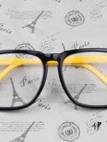 แว่นตาแฟชั่นเกาหลี กรอบสี่เหลี่ยมดำเหลือง (พร้อมเลนส์)