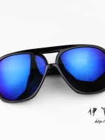 แว่นตากันแดดแฟชั่นเกาหลี กรอบดำมัน เลนส์สีน้ำเงิน