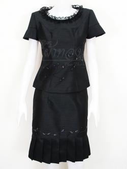 ชุดเสื้อกระโปรงผ้าไหมแพรทองสีดำ ไซส์ M