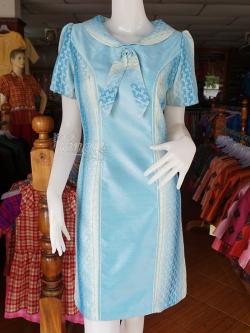 เดรสผ้าไหมแต่งผ้าทอลายหมากรุก สีฟ้า ไซส์ L