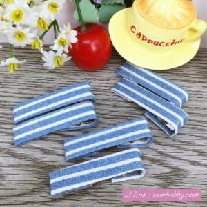 กิ๊บหุ้มผ้า ลายเส้นสียีนส์อ่อน 4 cm. ( 10 ชิ้น )