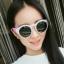 แว่นตากันแดดแฟชั่นเกาหลี กรอบขาวขาชมพูสไตส์น่ารักสดใส thumbnail 1