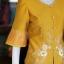 เสื้อผ้าไหมแพรทองแต่งลูกไม้ สีเหลืองทอง ไซส์ 2XL thumbnail 2