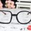 แว่นตาแฟชั่นเกาหลี กรอบสี่เหลี่ยมวงกลมสีดำไม้ (ไม่มีเลนส์) thumbnail 2