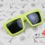 แว่นตากันแดดแฟชั่นเกาหลี กรอบสีเขียวอ่อน สี่เหลี่ยมคางหมู thumbnail 1