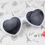 แว่นตากันแดดแฟชั่นเกาหลี กรอบหัวใจสีขาว thumbnail 3
