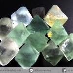 หินฟลูออไรต์ (Fluorite) ธรรมชาติทรงพีระมิคคู่ 12 ชิ้น (25g)
