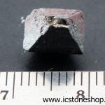 ▽แมกนีไทต์-magnetite แร่แม่เหล็กธรรมชาติ (0.9g)