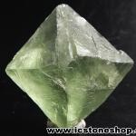 ▽หินธรรมชาติฟลูออไรต์ -Fluorite ทรงพีระมิดคู่ bipyramid (68g)