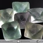 หินฟลูออไรต์ (Fluorite) ธรรมชาติทรงพีระมิคคู่ 6 ชิ้น(21g)