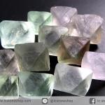 หินฟลูออไรต์ (Fluorite) ธรรมชาติทรงพีระมิคคู่ 12 ชิ้น (26g)