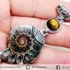 จี้ฟอสซิล แอมโมไนต์เหลือบรุ้ง(Ammonite) ผ่าครึ่ง+เปลือกหอยเป๋าฮื้อ (18g)