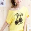 เสื้อยืดสีเหลือง สกรีนลายน่ารัก ใส่ได้ทั้งแบบคอกลม หรือคอปาด สวยเปรี้ยว