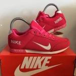 รองเท้า Nike