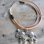 สร้อยเชือกหนังกลม -จี้ช้างสีเงินโบราณ