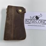 NS-17 กระเป๋าสตางค์ หนังนูบัค ดีไซน์โค้ง มีหูเกี่ยวสาย สภาพดี