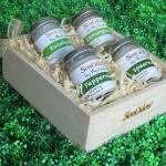 SenOdos ชุดของขวัญ ชุดกิ๊ฟเซ็ท เทียนหอมอโรม่า กลิ่นมินต์ Minty Refresh Set - Soy Candles 45g x 4 กลิ่น (กลิ่นยูคาลิปตัส, กลิ่นเปปเปอร์มินต์, กลิ่นสเปียร์มินต์, กลิ่นตะไคร้) บรรจุในกล่องไม้สน รูปทรงเหลี่ยม สวยงาม คุณภาพดี นำเข้าจากนิวซีแลนด์