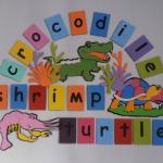 ตุ๊กตาติดผนังรูปสัตว์พร้อมคำศัพท์